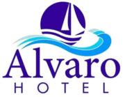 Hotel Alvaro frente Palacio-Museo Selgas